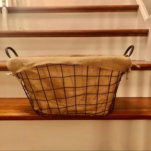 NWOT, Wire Basket with Burlap Lining